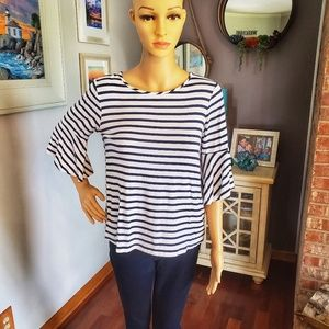 Green Envelope bell-sleeve navy blue and white top
